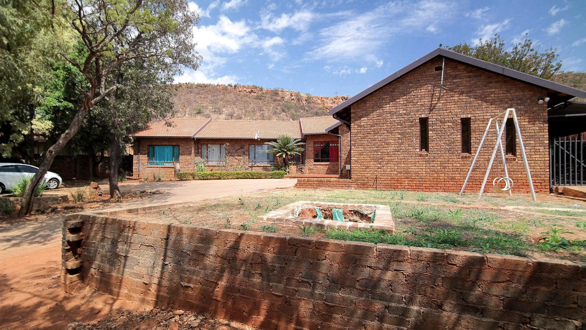 4 bedroom house for sale for sale in rustenburg private for North west house