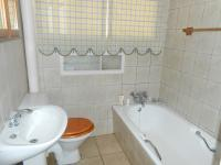 Bathroom 1 - 5 square meters of property in Annlin