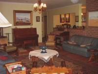 Lounges - 48 square meters of property in Sabie