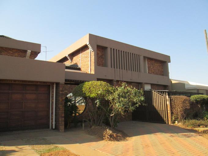6 Bedroom House For Sale in Daveyton - Home Sell - MR115887