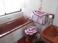 Bathroom 2 - 2 square meters of property in Daveyton