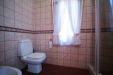 Main Bathroom - 9 square meters of property in Silver Lakes Golf Estate