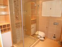 Bathroom 3+ - 8 square meters of property in Point
