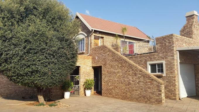2 Bedroom Simplex For Sale in Rietvalleirand - Home Sell - MR115917