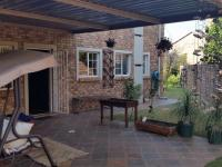 Patio - 77 square meters of property in Rietvalleirand