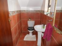 Bathroom 2 - 2 square meters of property in Southbroom