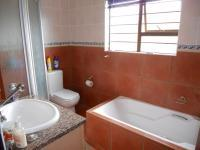 Bathroom 1 - 5 square meters of property in Southbroom
