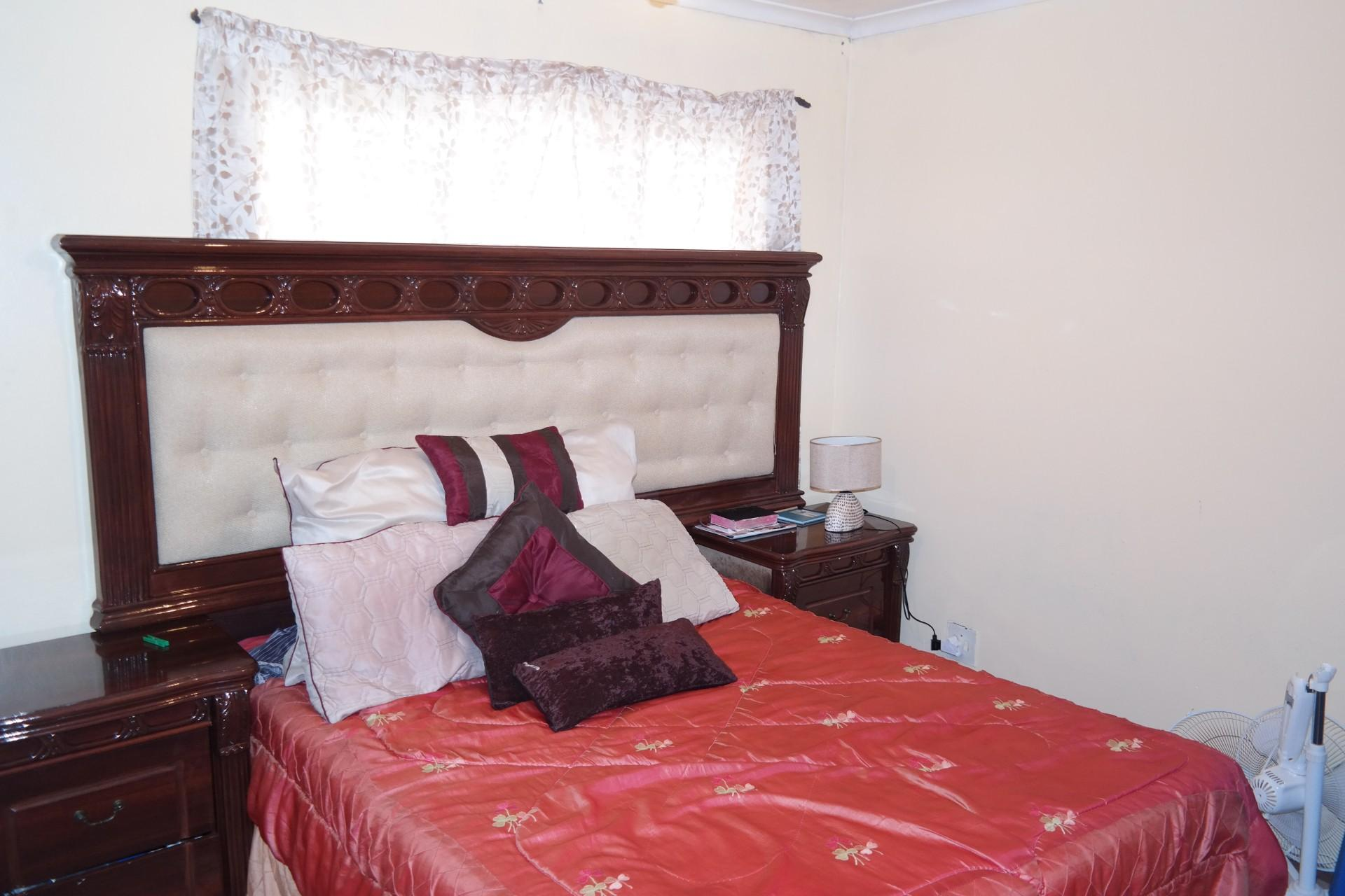 Bed Room 1 - 13 square meters of property in Eerste Rivier