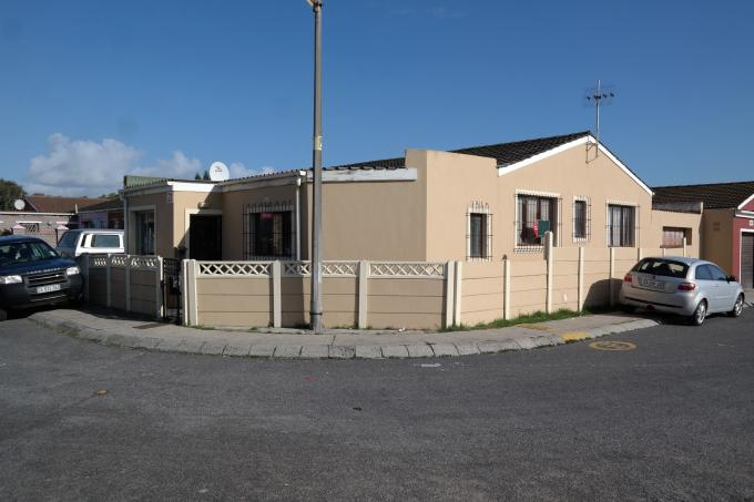 Standard Bank EasySell 3 Bedroom House For Sale in Mitchells Plain - MR116037