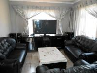 Lounges - 13 square meters of property in Boksburg