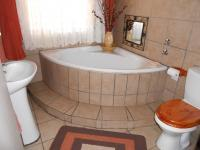 Bathroom 1 - 8 square meters of property in Parys
