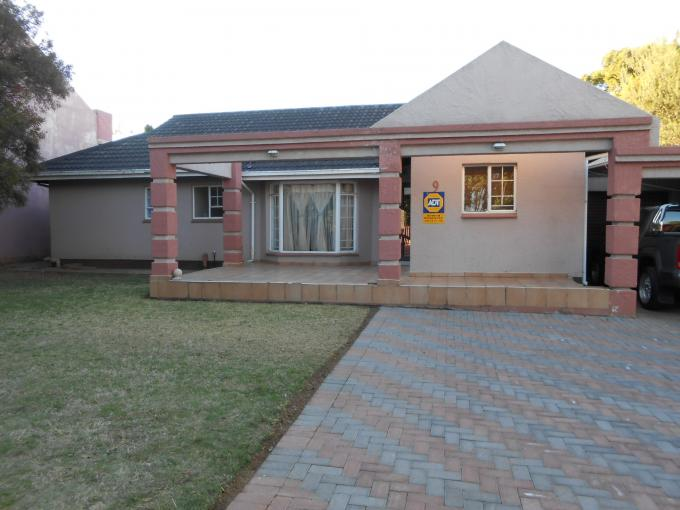 3 Bedroom House For Sale in Vanderbijlpark - Private Sale - MR116094