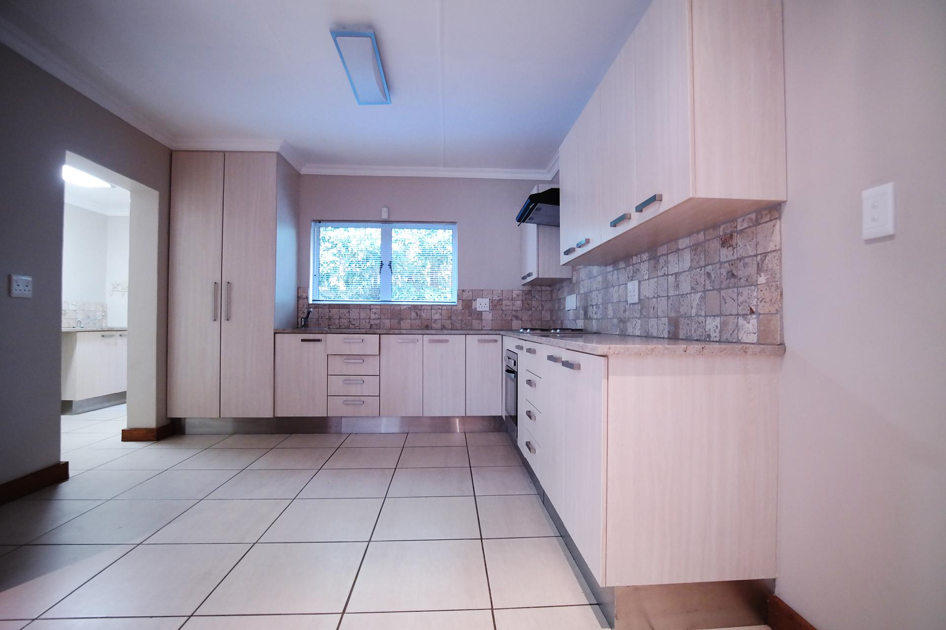 Kitchen - 17 square meters of property in Silver Lakes Golf Estate