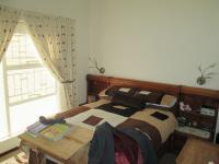 Main Bedroom - 12 square meters of property in Roodepoort