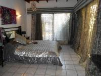 Main Bedroom - 25 square meters of property in Kempton Park