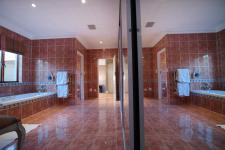 Main Bathroom - 29 square meters of property in Silver Lakes Golf Estate