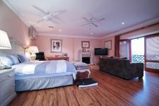 Main Bedroom - 41 square meters of property in Silver Lakes Golf Estate