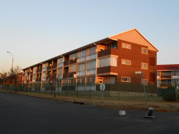 1 Bedroom Sectional Title for Sale For Sale in Rhodesfield - Home Sell - MR116159