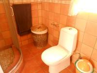 Bathroom 2 - 7 square meters of property in Breaunanda