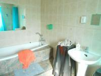 Bathroom 2 - 12 square meters of property in Mnandi AH