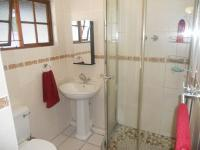 Bathroom 2 - 2 square meters of property in Northdene