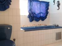 Bathroom 1 - 10 square meters of property in Garsfontein