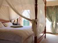 Main Bedroom - 40 square meters of property in Garsfontein