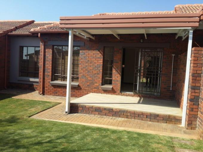 2 Bedroom Simplex for Sale For Sale in Mooikloof Ridge - Private Sale - MR116233