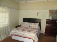 Main Bedroom - 12 square meters of property in Bellevue