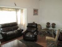 Lounges - 21 square meters of property in Bellevue
