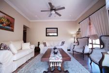 Lounges - 18 square meters of property in Silver Stream Estate