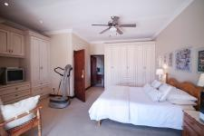 Main Bedroom - 31 square meters of property in Silver Stream Estate