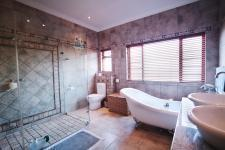 Main Bathroom - 14 square meters of property in Silver Stream Estate