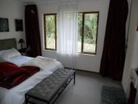 Main Bedroom - 15 square meters of property in Umtentweni