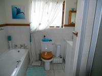 Bathroom 1 - 7 square meters of property in Umtentweni