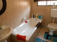 Bathroom 1 - 3 square meters of property in Noordwyk