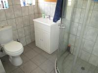 Main Bathroom - 3 square meters of property in Birchleigh
