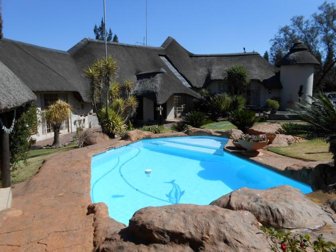 4 Bedroom House for Sale For Sale in Vanderbijlpark - Home Sell - MR116418