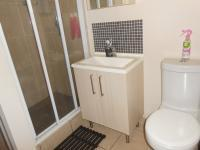 Main Bathroom - 5 square meters of property in Lone Hill