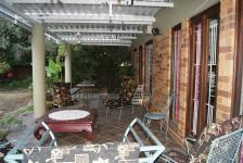 Patio - 66 square meters of property in Menlo Park