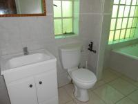 Main Bathroom - 9 square meters of property in Strubenvale