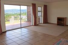 Lounges - 25 square meters of property in Knysna