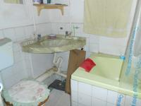 Main Bathroom - 8 square meters of property in Pretoria West