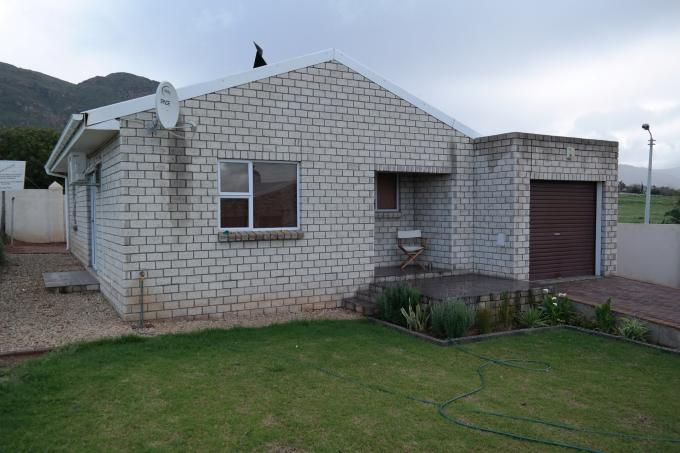2 Bedroom Cluster for Sale For Sale in Piketberg - Home Sell - MR116556