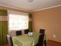 Lounges - 21 square meters of property in Mindalore