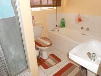 Main Bathroom - 6 square meters of property in Mindalore