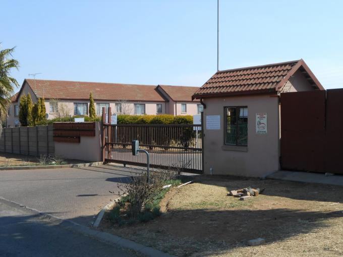 2 Bedroom Simplex for Sale For Sale in Germiston - Private Sale - MR116583