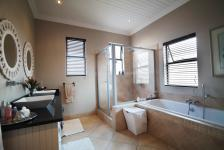 Bathroom 1 - 2 square meters of property in Newmark Estate