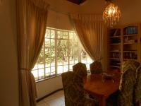 Dining Room - 16 square meters of property in Johannesburg North