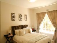 Bed Room 1 - 13 square meters of property in Johannesburg North